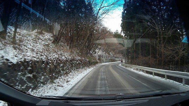 雪の少ない道