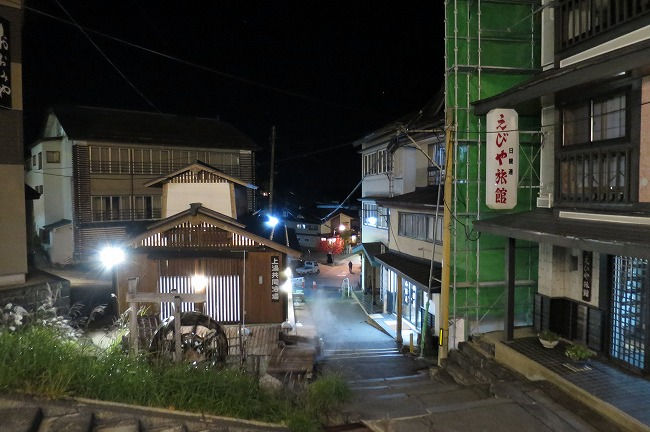 蔵王の温泉街
