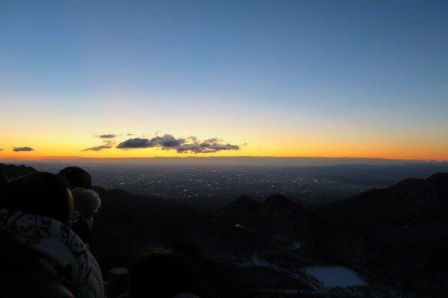 夜明け前の景色