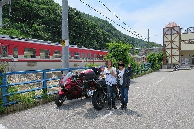 電車とバイク