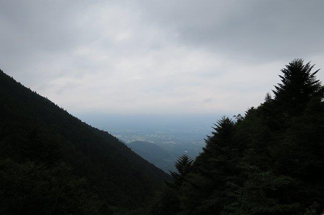 雲で富士山が見えない