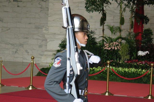 イケメンの衛兵