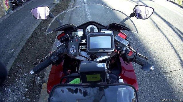 バイクのイグニッションに連動させてウェアラブルカメラを起動